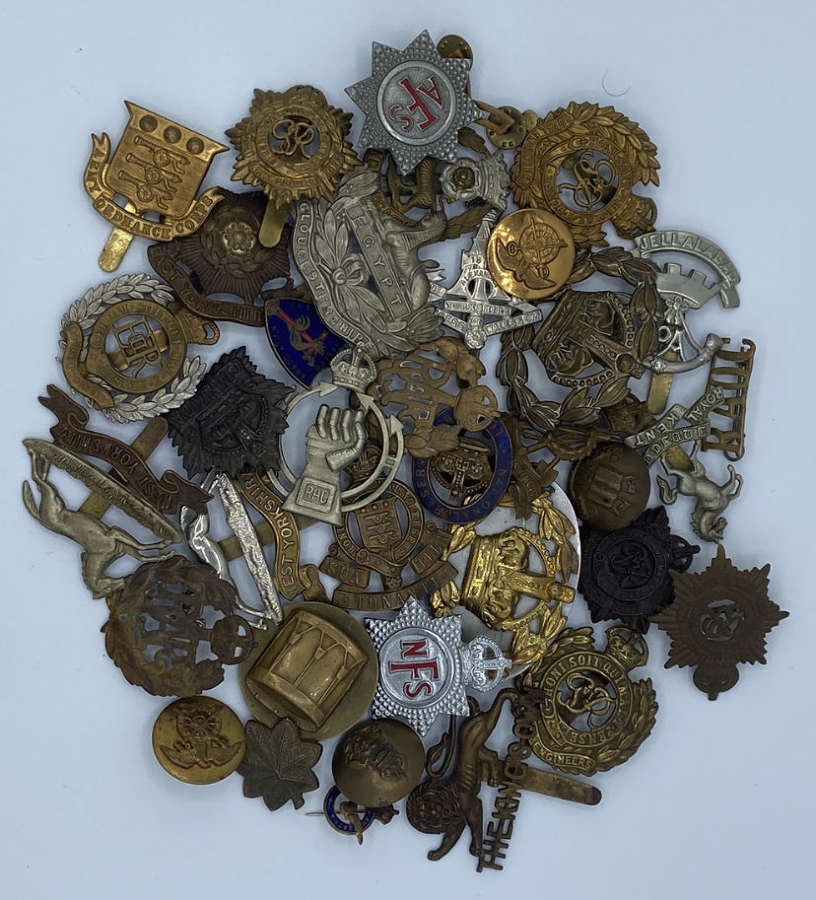 Cap Badges, Badges & Buttons