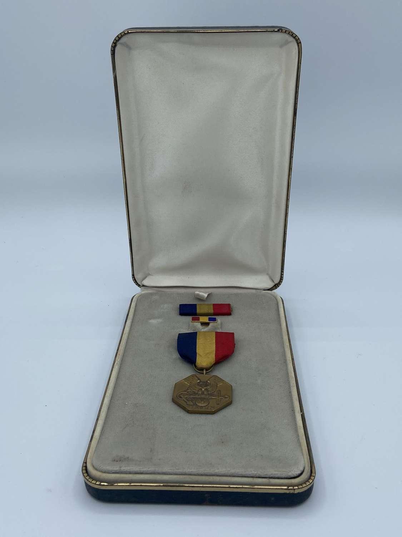 WW2 Us Navy & Marine Corps Heroism Medal In Case Complete