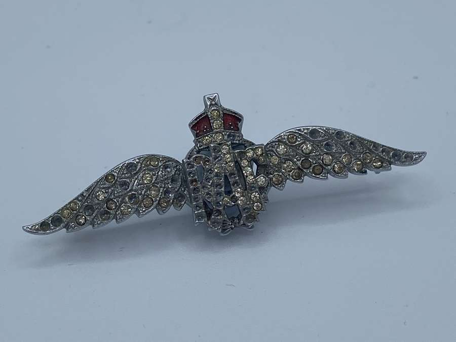 WW2 RAF Royal Air Force Silver And Paste Badge Brooch
