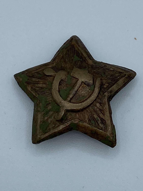 WW2 1930s Russian Soviet Green Kharki Cap Badge