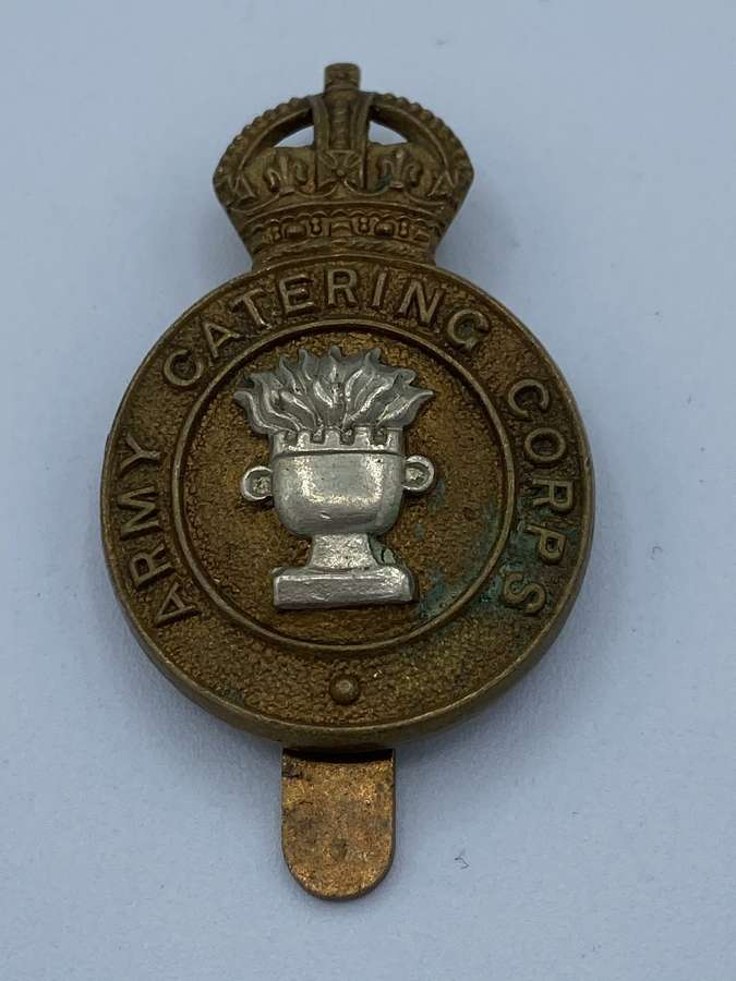 WW2 Army Catering Corps Slider Cap Badge Kings Crown