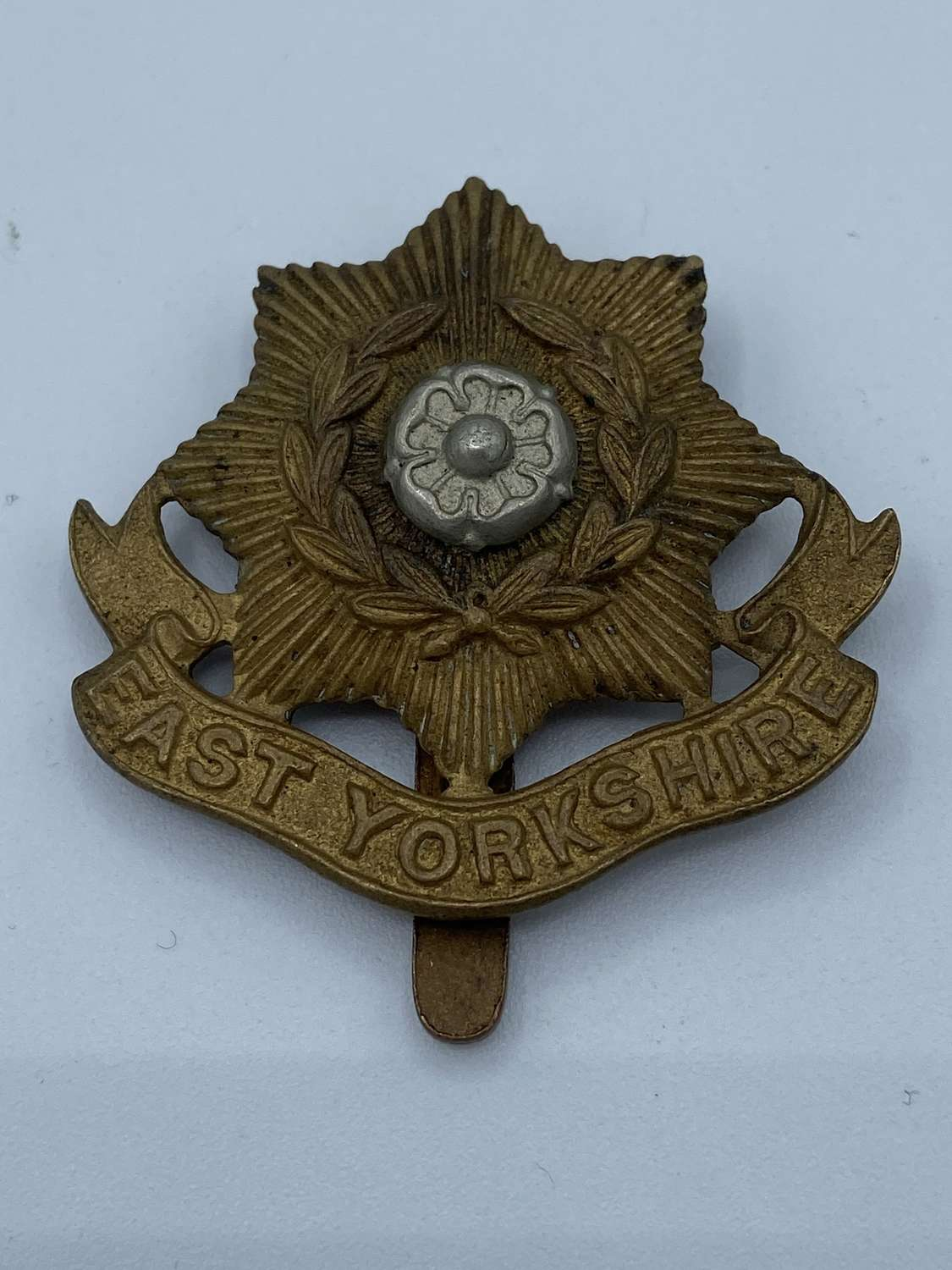 WW2 East Yorkshire Regiment Slider Cap Badge Great Condition