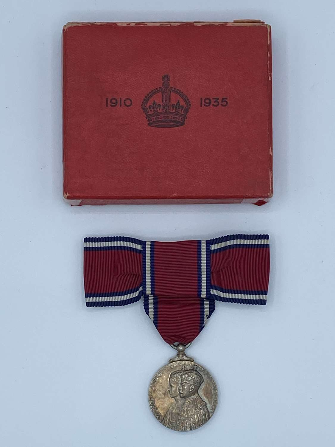 1910 To 1935 Goegre V & Queen Mary Silver Jubilee Womens Medal In Box