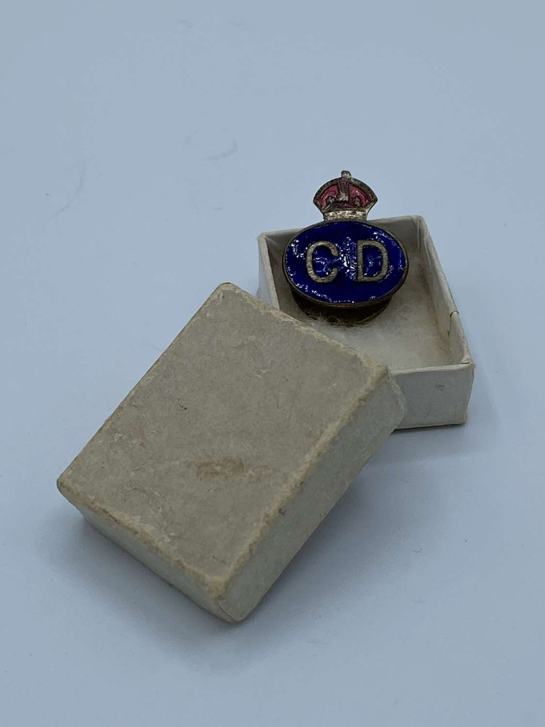 WW2 Civil Defence Enamel CD Badge In Original Box