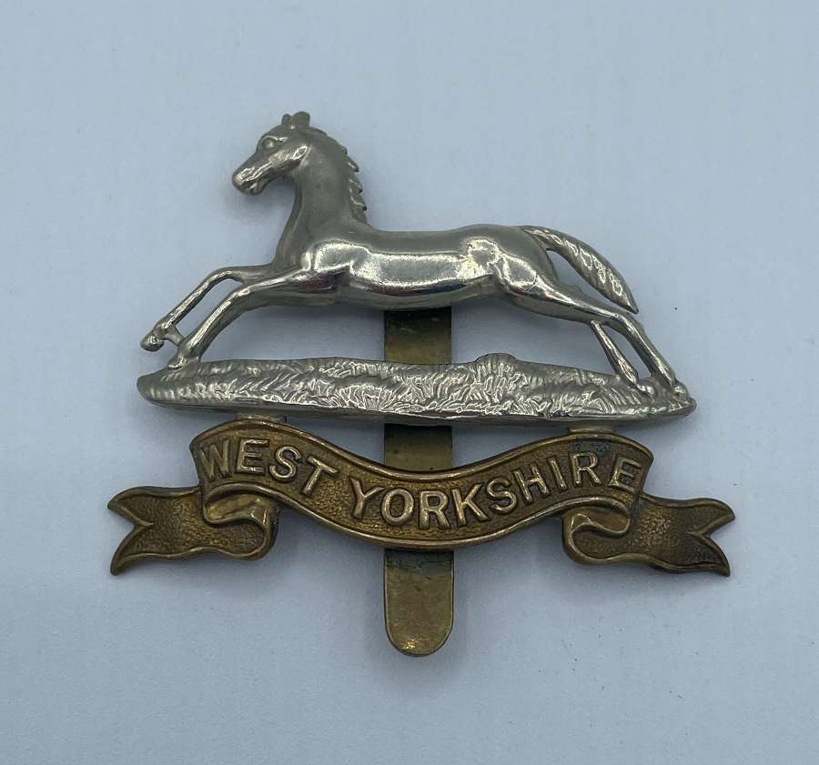 WW2 West Yorkshire Slider Cap Badge