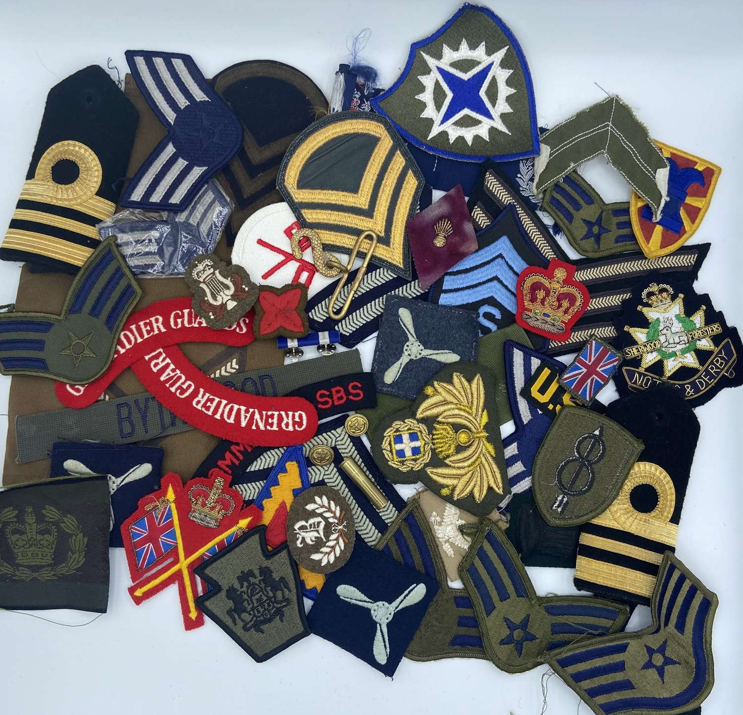 Joblot Of Post WW2 British Army And U.S Army Patches Stripes Etc