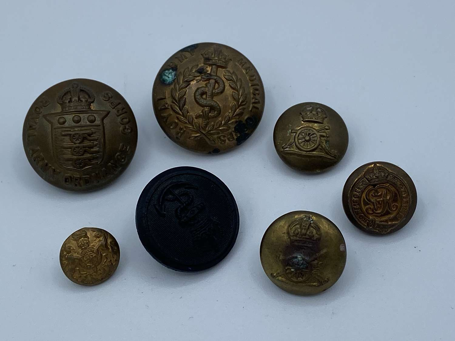 Small Joblot Of WW2 British Army Buttons RA RE RAOC RAMC Etc