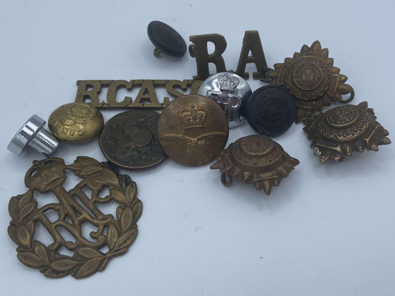Job lot Of WW1 & WW2 Buttons & Badges RAF RA RCASC