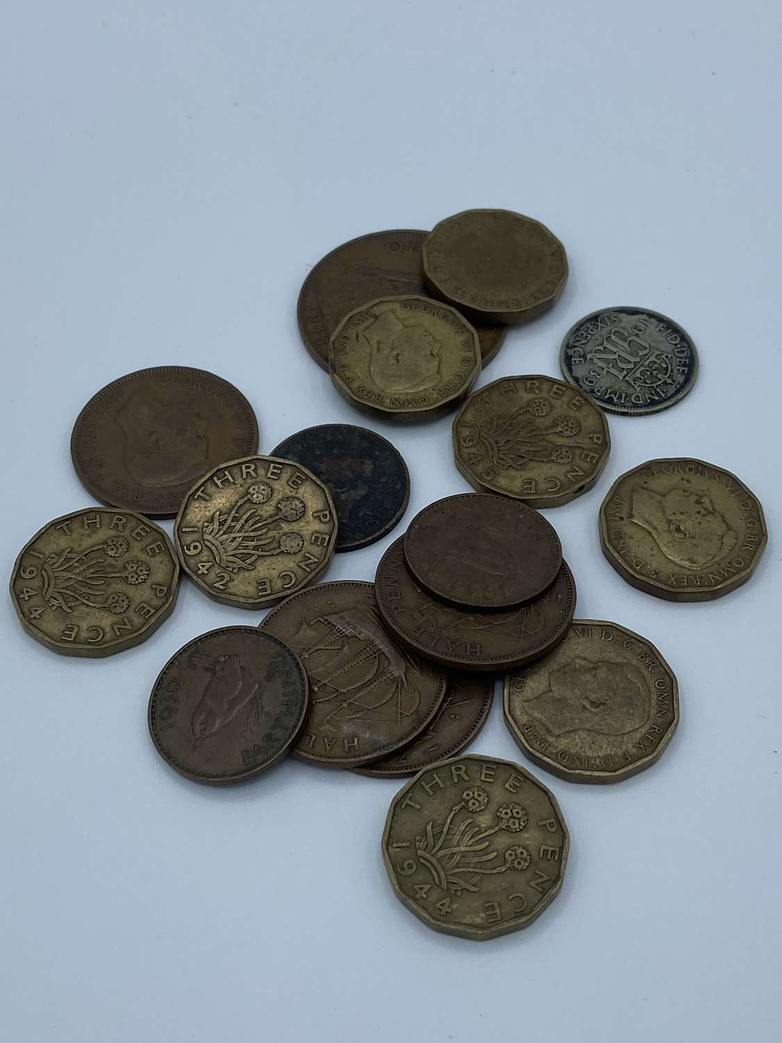 Joblot of WW1 & WW2 British Coin Currency Silvers Coppers etc