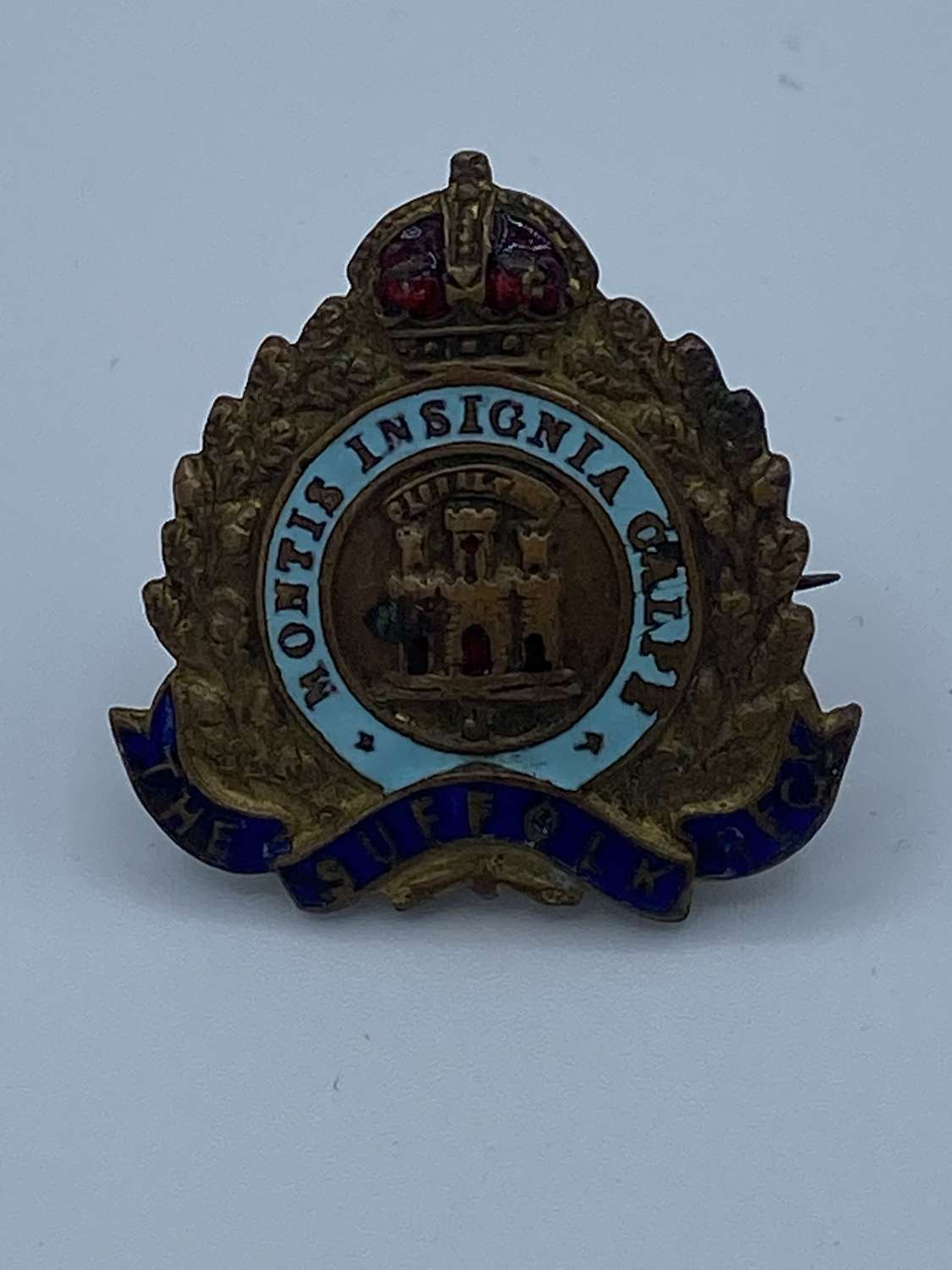 WW1 The Suffolk Regiment Brass & Enamel Sweetheart Brooch