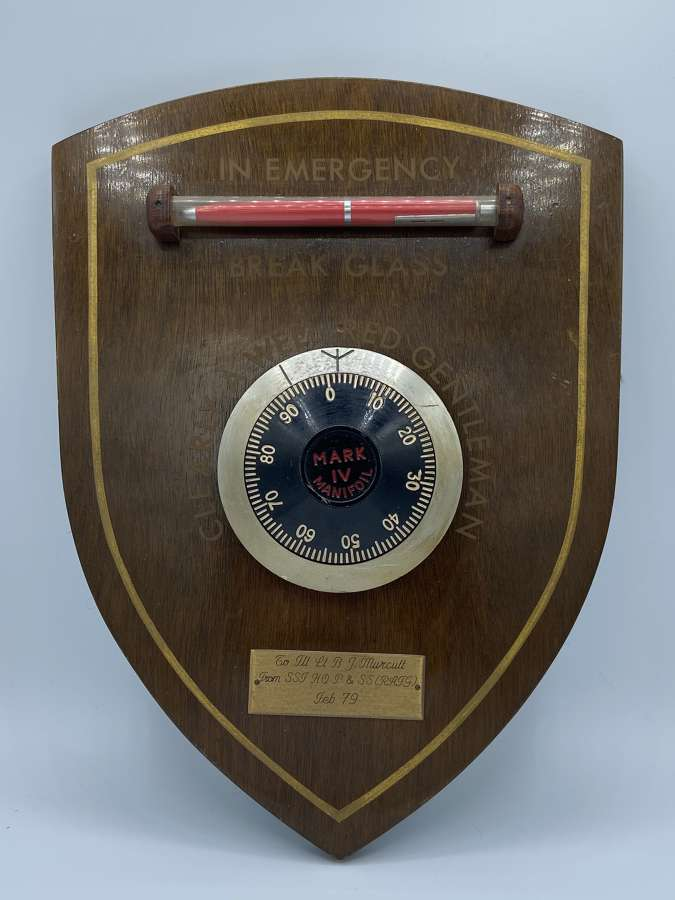 Vintage Bank Mark IV Manifoil Presentation Plaque Royal Air Force