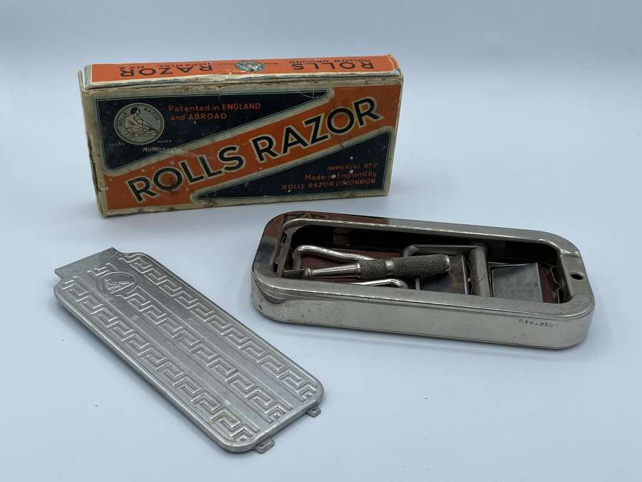 Vintage WW2  Rolls Razor Boxed And Complete In Great Condition