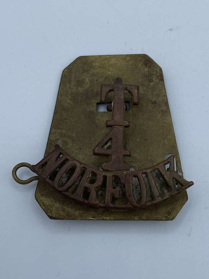 WW1 British Army T4 Norfolk Tunic Shoulder Title With Back Plate