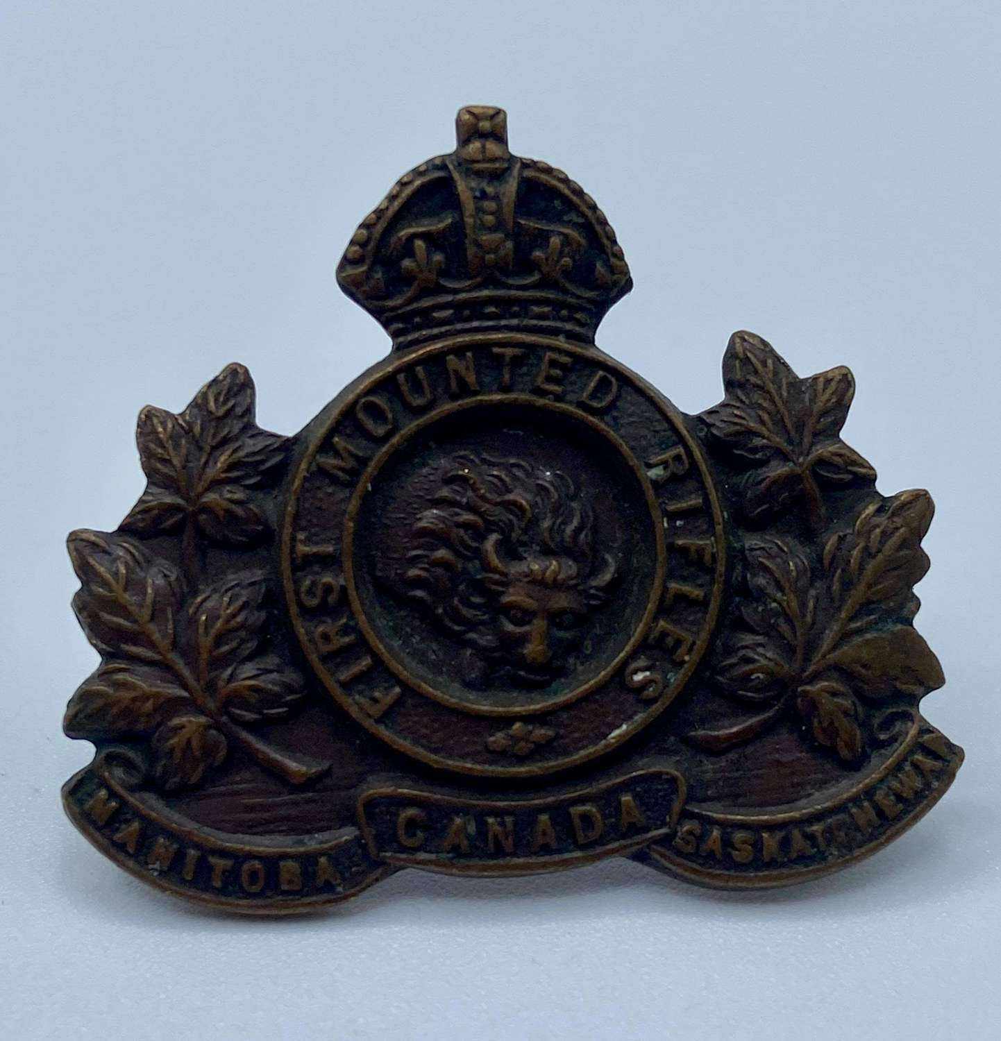 WW1 Canadian First Mounted Rifles Collar Badge