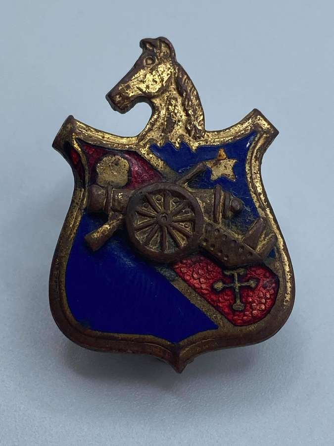 WW2 United States 104th Field Artillery Battalion DUI Badge