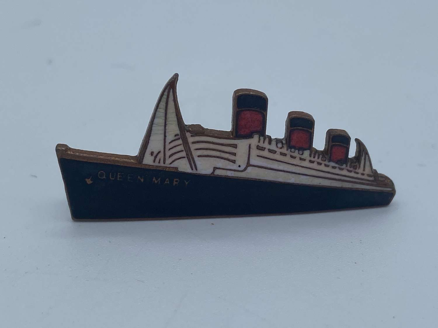 Vintage RMS Queen Mary Cunard Enamel Badge By Imitation England