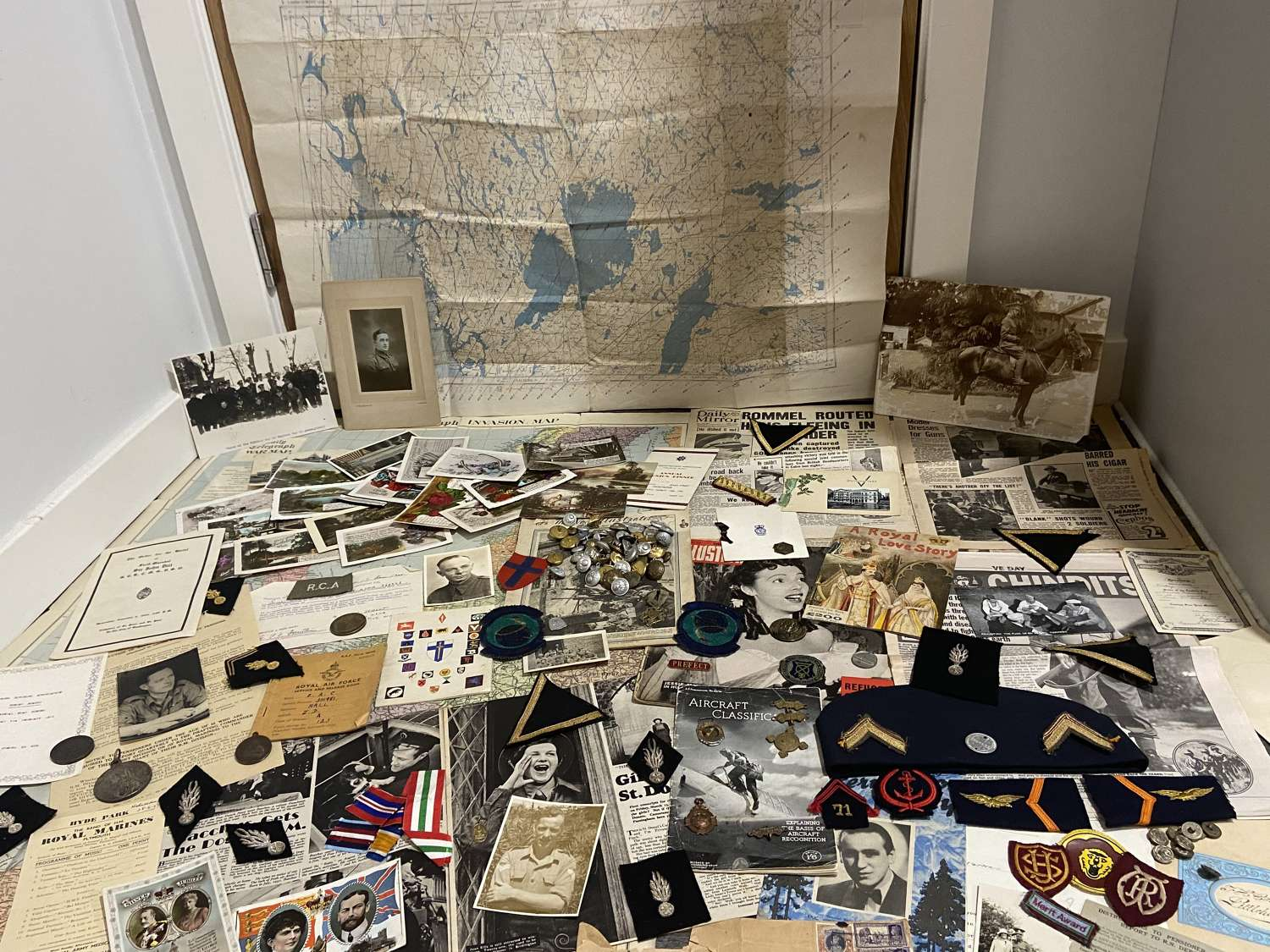 WW1 & WW2 British French Military Collection Paperwork patches etc