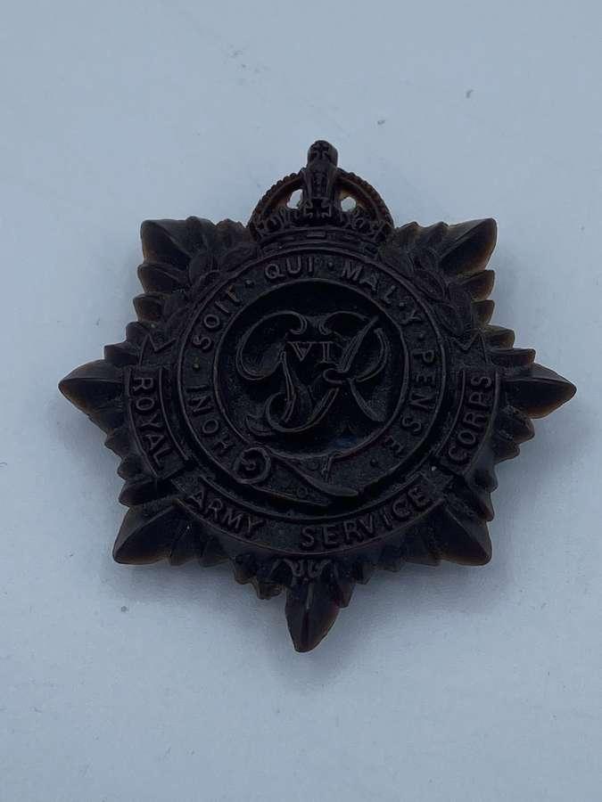 WW2 Economy Royal Army Service Corps Plastic Bakelite Cap Badge