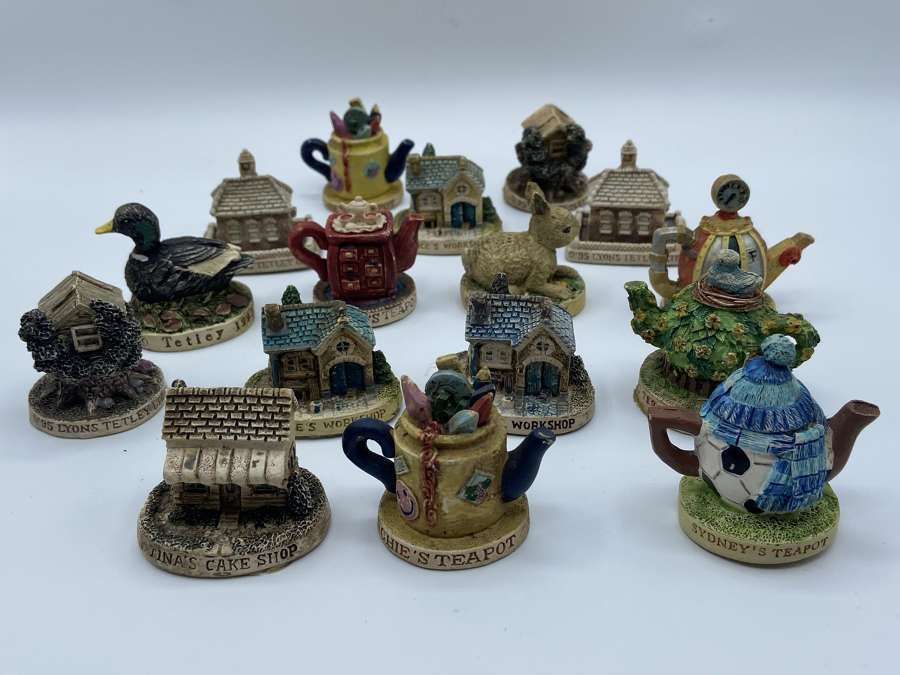 Collection Of Vintage 1990s Tetley GB Limited Mini Teapots & Houses