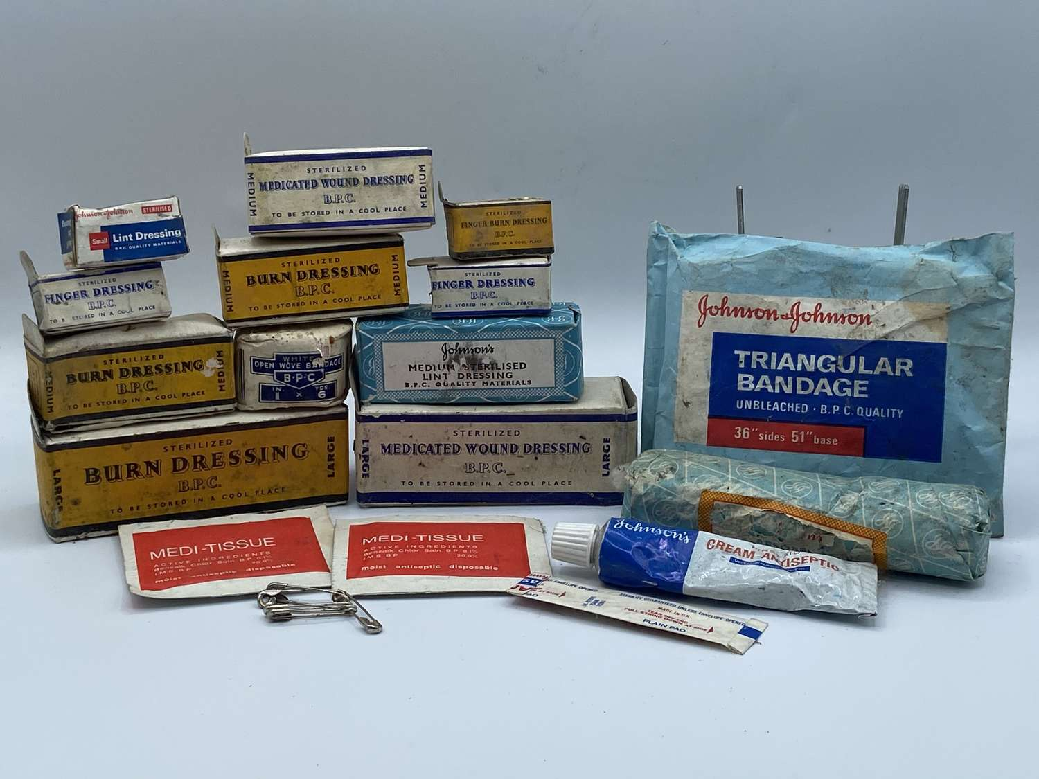 Job-lot Of WW2 Era British Home Front First Aid Medical Bandages Etc