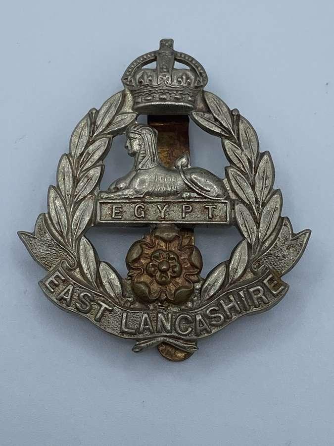 WW2 East Lancashire Kings Crown Slider Cap Badge
