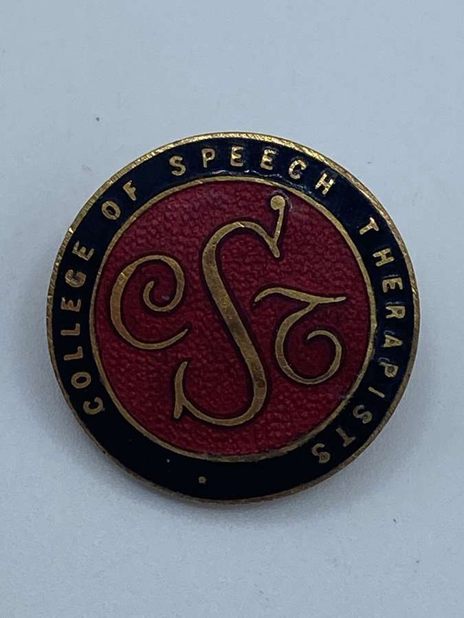 WW2 1945 Royal College of Speech Therapists Badge Issue No 629