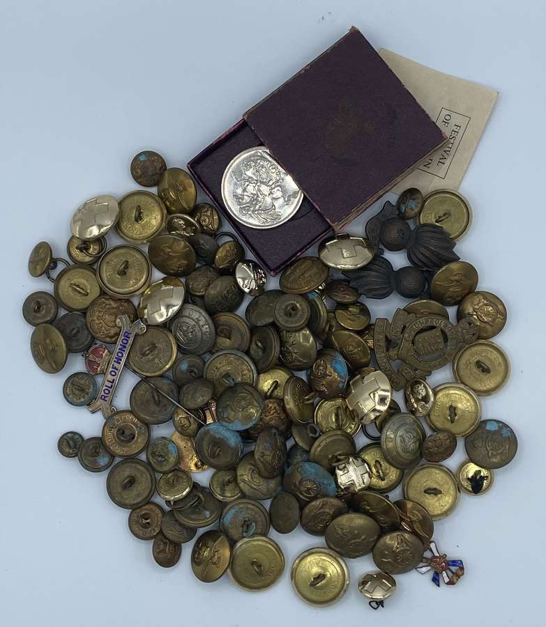 Joblot Of WW1 WW2 British Army Buttons And Badges Silver Etc