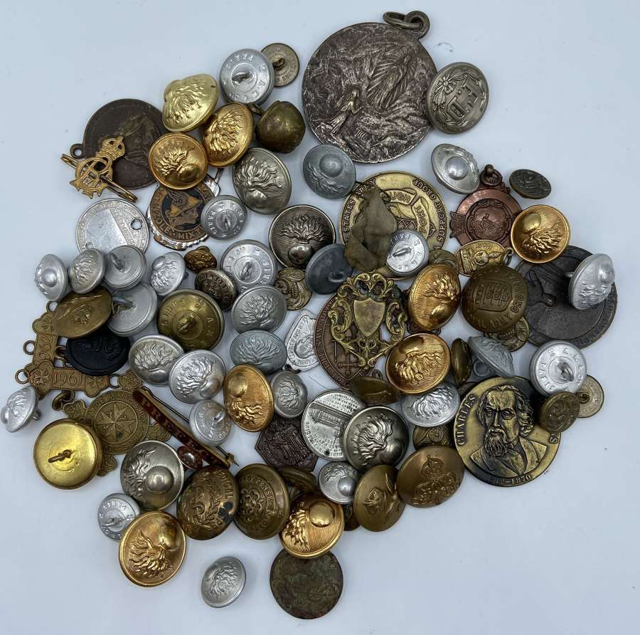 Large WW1 & WW2 British Army And French Army Badge, Pins & Button Lot