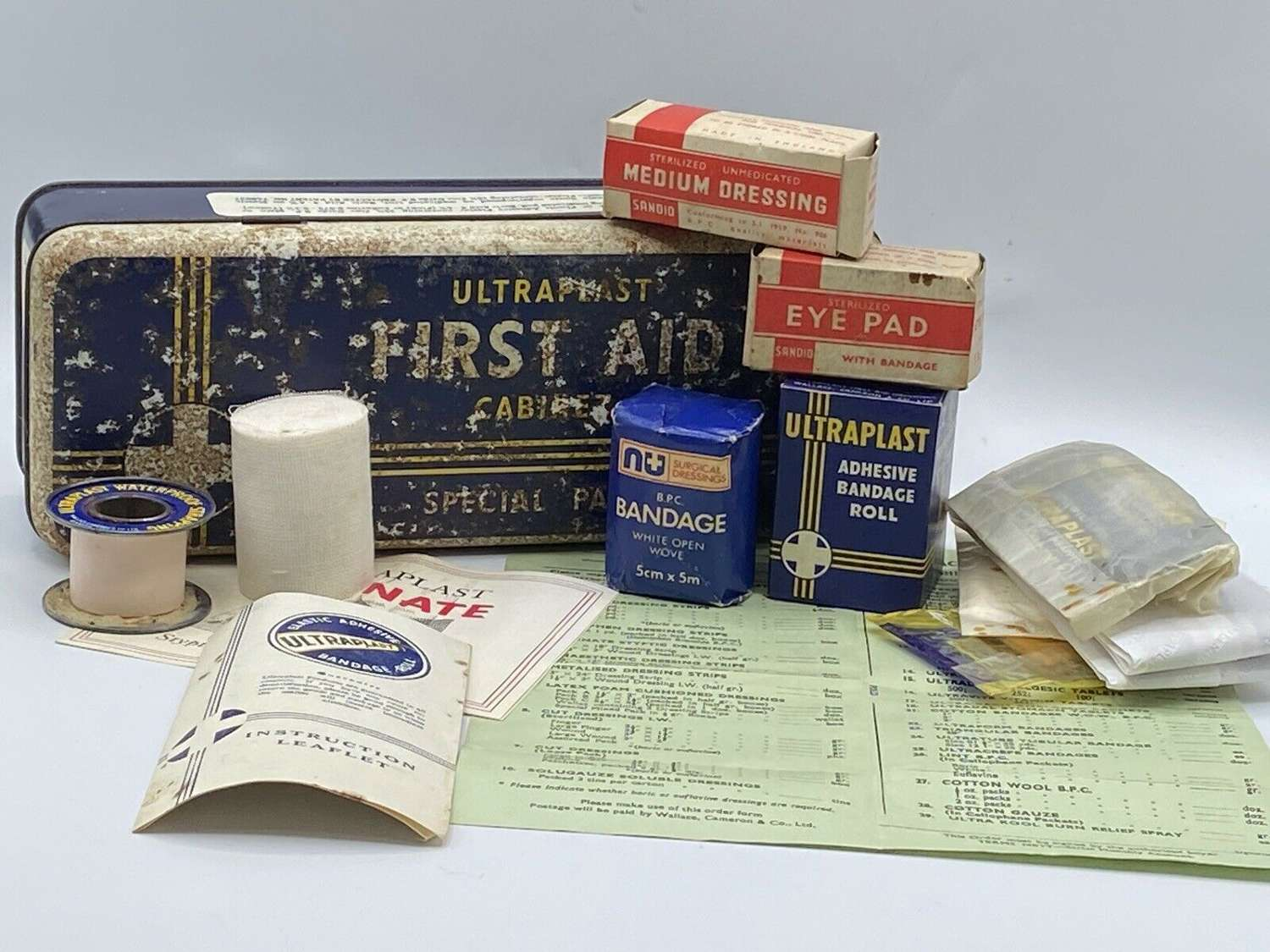 WW2 1940s British Home Front Ultraplast Firsts Aid Cabinet Compete