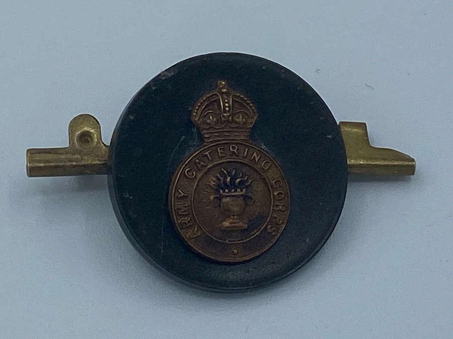 WW2 British Army Catering Corps Medal Bar Bakelite Badge