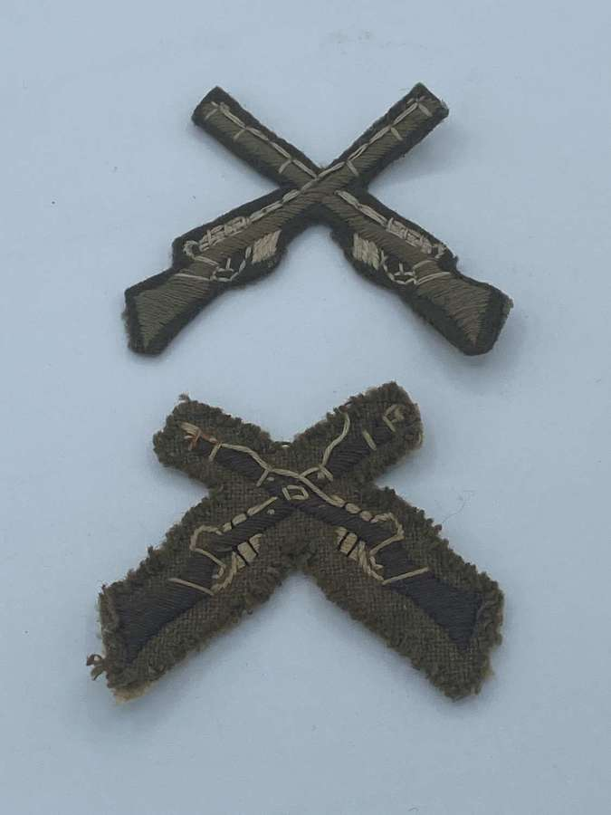 2x WW1 British Army Crossed Rifles Proficiency Sleeve Patches 1 yellow