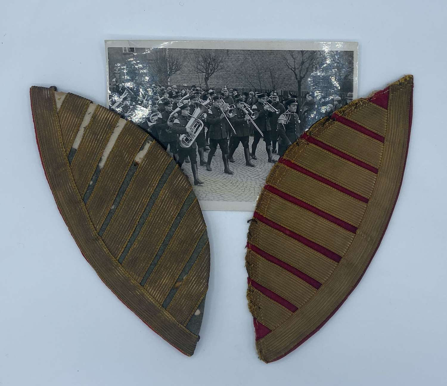 WW2 German Fire Police Protection Bandsman Epaulette Wings & Photo