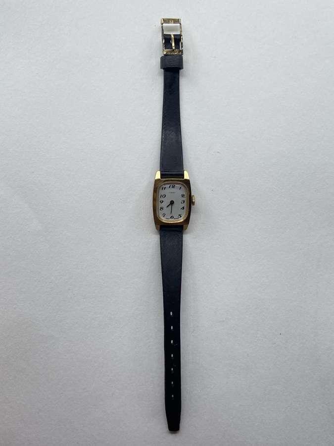 Vintage 1980s Timex Gold Tone Great Britain Womens Wrist Watch