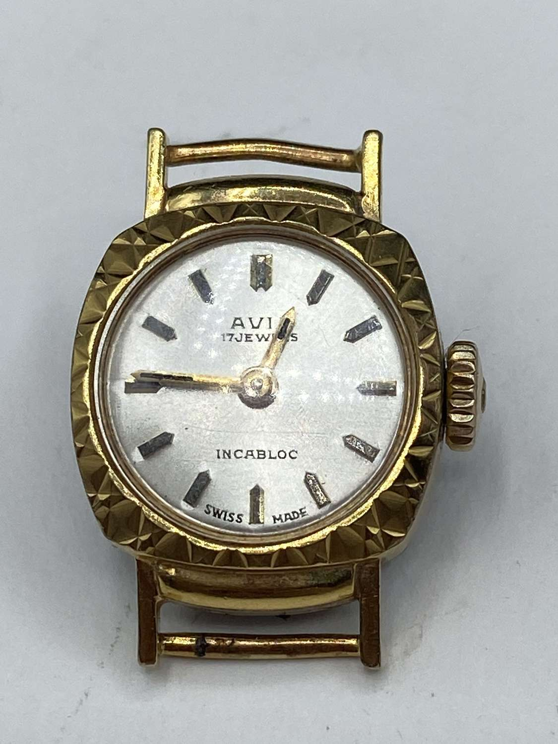 Vintage 1970s Gold Plated Womens Avia 17 Jewels Working Watch