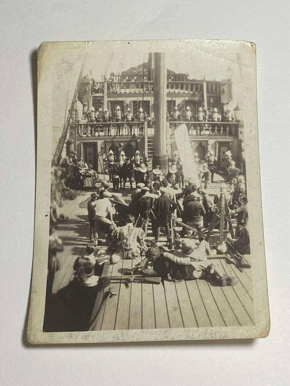 Behind The Scenes Original Photo Of The Sea Hawk 1940 Movie Errol Flyn