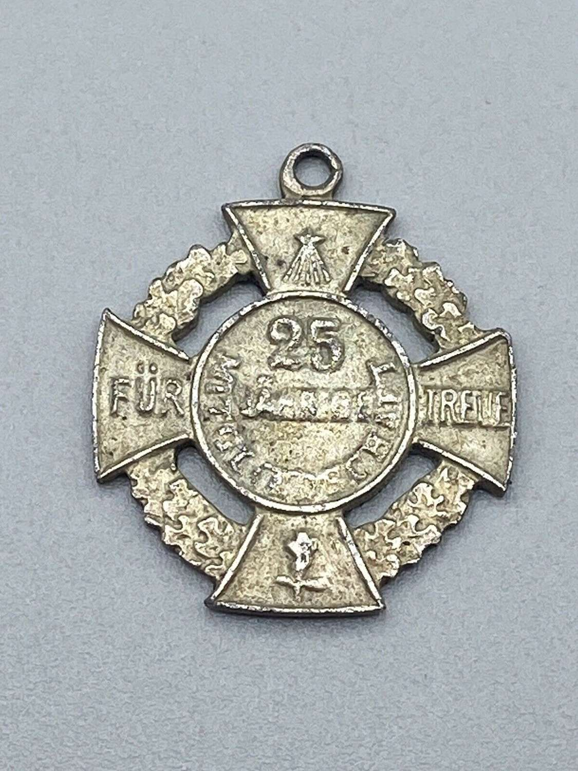 WW1 German Imperial Army To Weimar 25 Years Loyal Service Medal