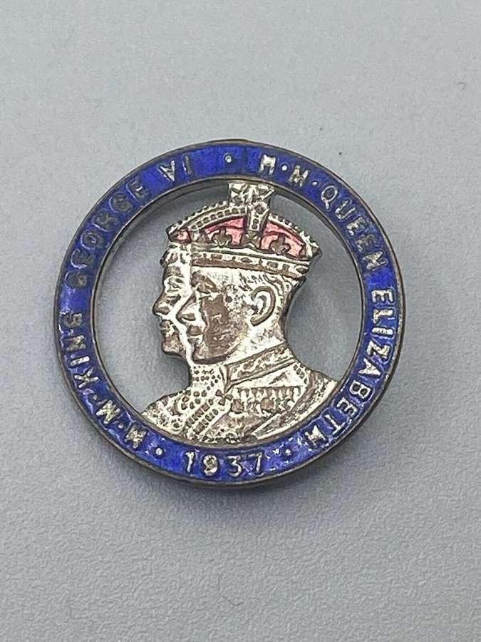 WW2 Era King George Vi & Queen Elizabeth Coronation Badge 1937