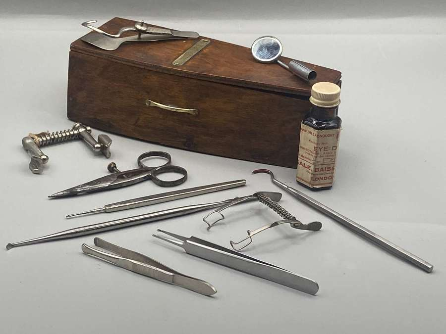 Victorian Memento Mori Medical Coffin Taxidermy Surgical Tools Coffin