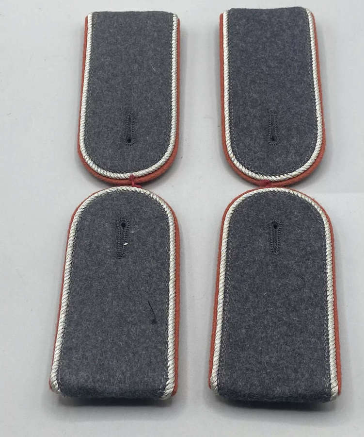 Post WW2 German BW (Federal Army) Officer Class Epaulettes